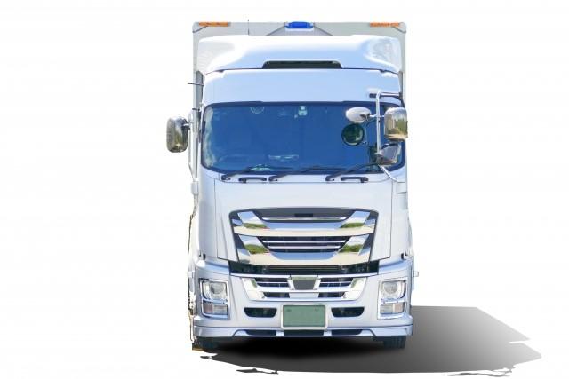 トラックの正面画像