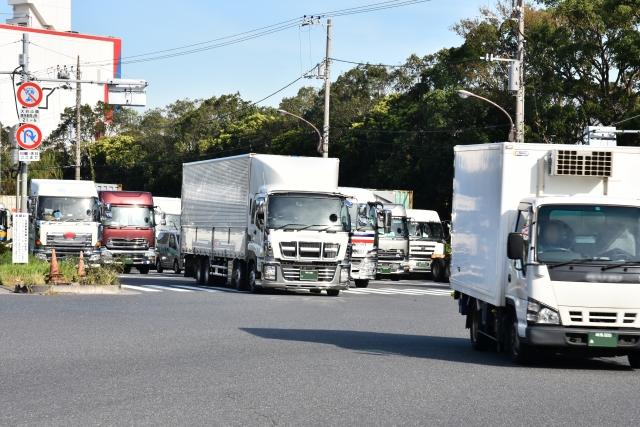 トラックが走る風景